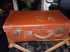 GENUINE VINTAGE SUITCASE BROWN RIGID WARRIOR VULCANISED FIBRE REINFORCED CORNERS